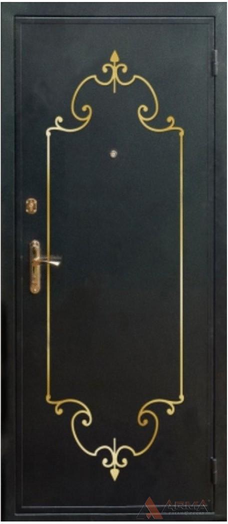 металлические двери с кованной отделкой