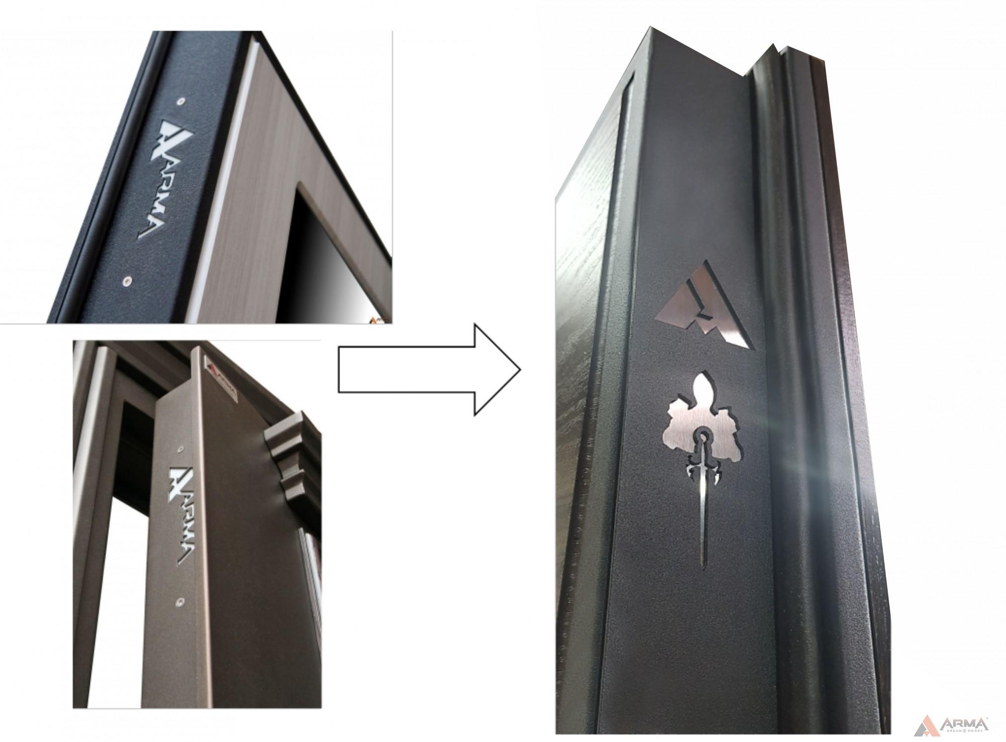 Фирменный логотип на полотне двери
